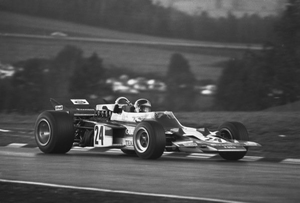 1970 United States Grand Prix. Watkins Glen, New York, USA. 2nd - 4th October 1970. Emerson Fittipaldi (Lotus 72C Ford), 1st position, action.  World Copyright: LAT Photographic. Ref: 3339 - 12.
