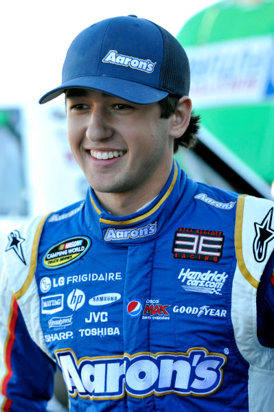 8-9 November, 2013, Avondale, Arizona USA Chase Elliott © 2013, Nigel Kinrade LAT Photo USA