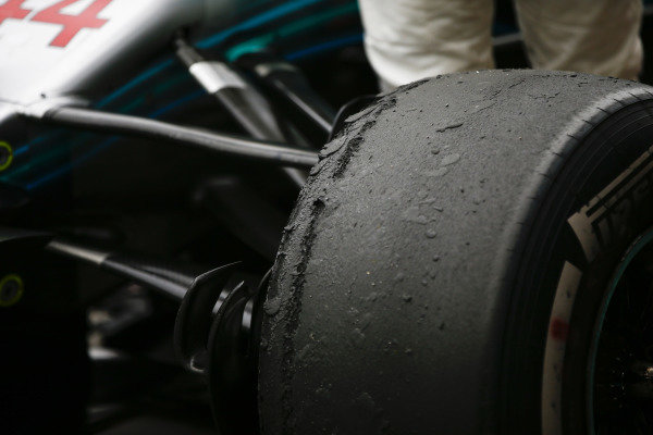 The worn front tyre of Lewis Hamilton, Mercedes AMG F1 W09 EQ Power+, 1st position, in Parc Ferme