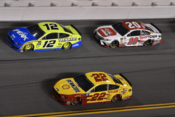 #12: Ryan Blaney, Team Penske, Ford Mustang Menards/Peak, #22: Joey Logano, Team Penske, Ford Mustang Shell Pennzoil, #20: Erik Jones, Joe Gibbs Racing, Toyota Camry Sport Clips