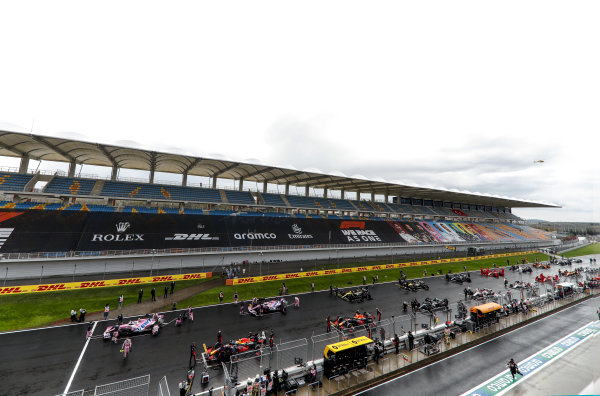 Start grid with Lance Stroll, Racing Point RP20. Max Verstappen, Red Bull Racing RB16 and Sergio Perez, Racing Point RP20