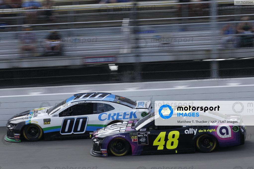 #48: Jimmie Johnson, Hendrick Motorsports, Chevrolet Camaro Ally #00: Landon Cassill, StarCom Racing, Chevrolet Camaro StarCom Fiber/Creek Enterprise, Inc.