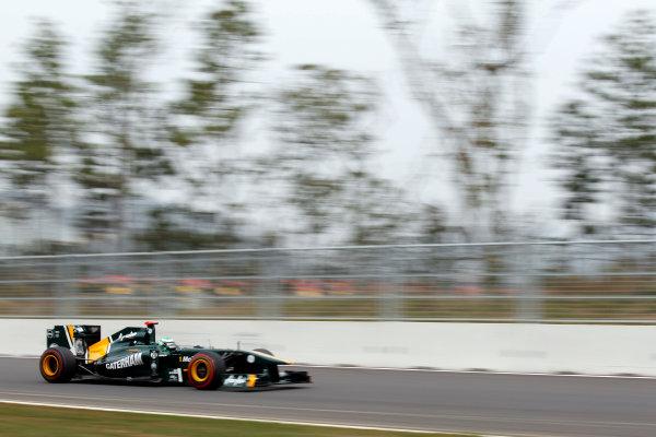 Korea International Circuit, Yeongam-Gun,South Korea. 15th October 2011. Heikki Kovalainen, Lotus T128 Renault. Action.  World Copyright:Charles Coates/LAT Photographic ref: Digital Image _X5J4843