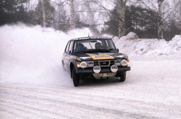 1977 World Rally Championship.Swedish Rally, Sweden. 11-13 February 1977.Stig Blomqvist/Hans Sylvan (SAAB 99 EMS), 1st position.World Copyright: LAT PhotographicRef: 35mm transparency 77RALLY12