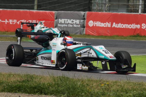 2015 Japanese Formula 3 Championship. Suzuka, Japan. 18th - 19th April 2015. Rd 1 & 2. Rd.2 Winner Nick Cassidy ( #37 PETRONAS TOM'S F314 ) action World Copyright: Yasushi Ishihara/LAT Photographic. Ref: 2015JF3_Rd1&2_010