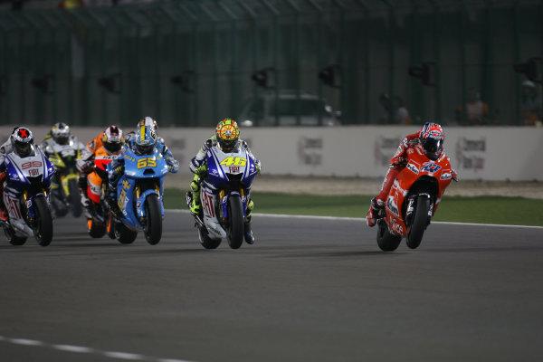 Qatar, Losail International Circuit.10th - 13th April 2009.Start of the MotoGP race and Casey Stoner Marlboro Ducati Team is off to one of his flying starts.World Copyright: Martin Heath/LAT Photographicref: Digital Image BPI_Moto 7o6j
