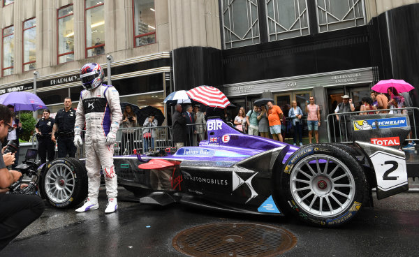 2016/2017 FIA Formula E Championship. Round 9 - New York City ePrix, Brooklyn, New York, USA. Friday 14 July 2017. Sam Bird's DS Virgin Racing, Spark-Citroen, Virgin DSV-02 on the street in Manhattan. Photo: Sam Bagnall/LAT/Formula E ref: Digital Image DSC_0467