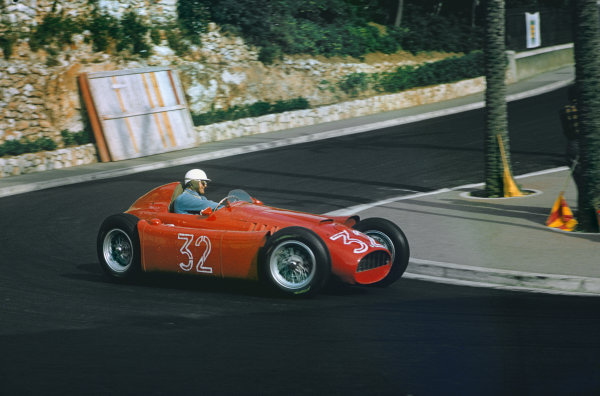 Monte Carlo, Monaco. 19-22 May 1955. Louis Chiron, Lancia D50, 6th position, at Station Hairpin. Ref: 55MON04. World Copyright - LAT Photographic