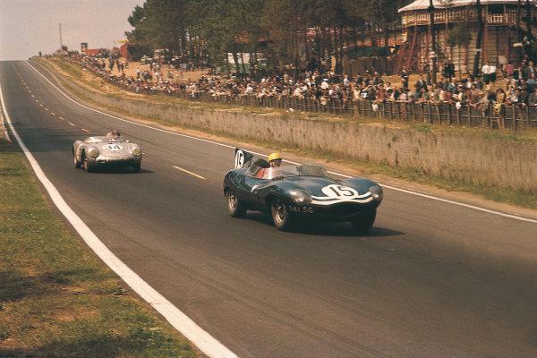 Le Mans, France. 22-23 June 1957. Ninian Sanderson/John Lawrence (Jaguar D-type), 2nd position. World Copyright: LAT Photographic Ref: 57LM