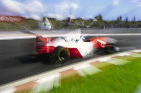 Mika Häkkinen, McLaren MP4-8 Ford.