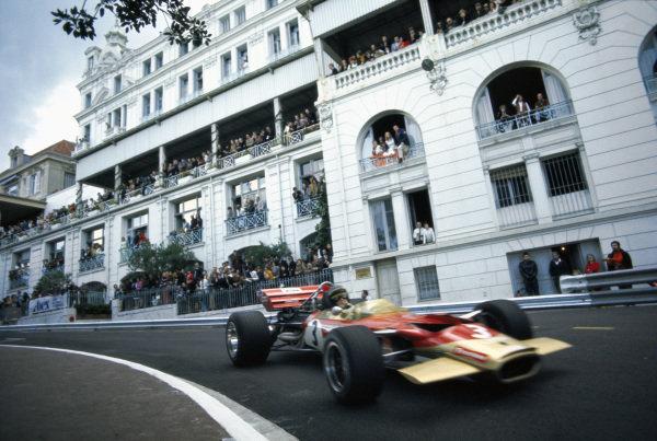 Jochen Rindt, Lotus 49C Ford, at Mirabeau corner.