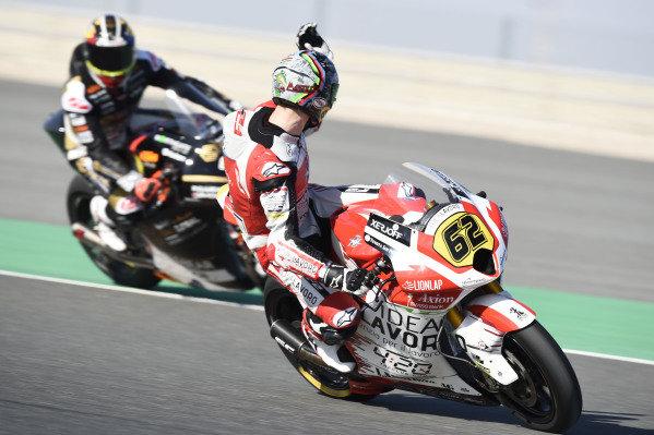 Stefano Manzi, Forward Racing complaining to Xavier Cardelus, Angel Nieto Team.