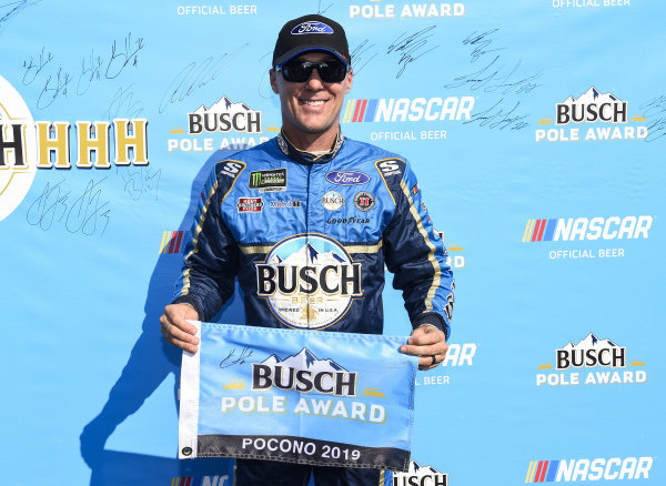#4: Kevin Harvick, Stewart-Haas Racing, Ford Mustang Busch Beer Gen X, wins the Pole for the Gander RV 400.