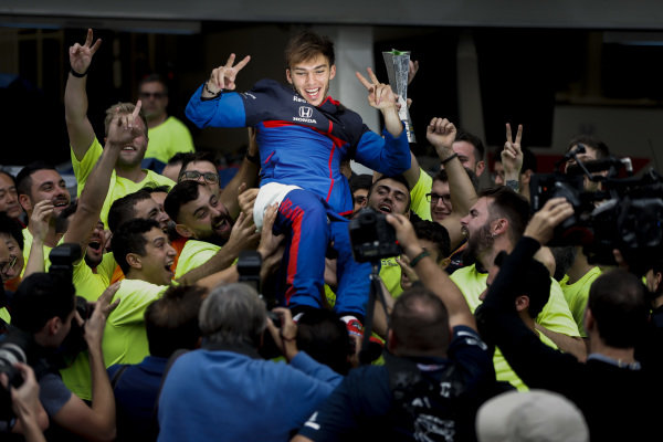 Pierre Gasly, Toro Rosso, 2nd position, celebrates with his team