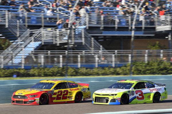 #22: Joey Logano, Team Penske, Ford Mustang Shell Pennzoil and #3: Austin Dillon, Richard Childress Racing, Chevrolet Camaro Symbicort