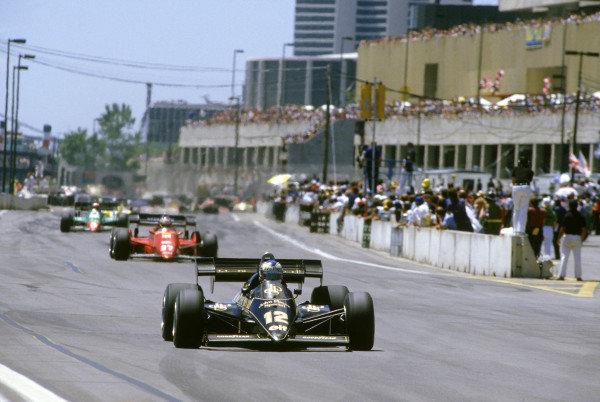 1984 United States Grand Prix. Detroit, Michigan, USA. 22nd - 24th June 1984. Nigel Mansell (Lotus 95T Renault). Action.  World Copyright: LAT Photographic. Ref: 84 USA 24