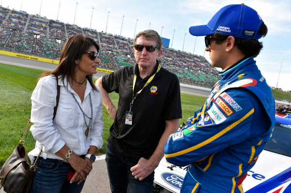 6-7 May, 2016, Kansas City, Kansas USA Chase Elliott, Bill Elliott and Cindy Elliott ? 2016, Nigel Kinrade LAT Photo USA