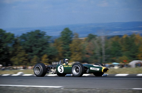 Race winner Jim Clark (GBR) Lotus Ford 49. Formula One World Championship, Rd10, United States Grand Prix, Watkins Glen, USA. 1 October 1967. BEST IMAGE