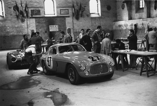 Le Mans, France. 24th - 25th June 1950 Yvonne Simon/Kasse (Ferrari 166MM Coupe), retired, in scrutineering, action. World Copyright: LAT Photographic Ref: L3793A - 24A-25.
