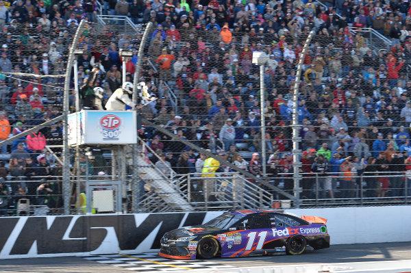 27-29 March, 2015, Martinsville, Virginia USA Denny Hamlin, FedEx Express Toyota Camry, Wins the STP 500  ?2015, John Harrelson / LAT Photo USA