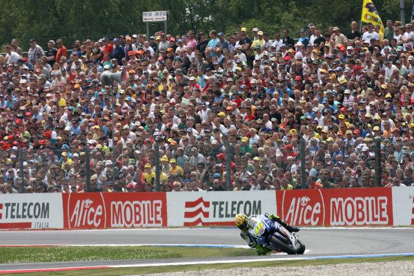 Assen, Netherlands.26th - 28th June 2009.Valentino Rossi Fiat Yamaha Team dominates the Dutch TT in front of a huge crowd.World Copyright: Martin Heath/LAT Photographicref: Digital Image BPI_Moto 8u79