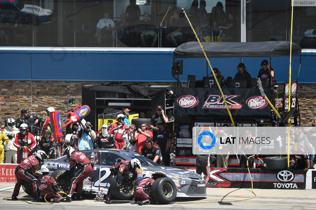 10-12 June, 2016, Brooklyn, Michigan USA David Ragan (23) makes a pit stop. ?2016, John Harrelson / LAT Photo USA