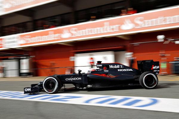 Circuit de Catalunya, Barcelona, Spain Monday 22 February 2016. Jenson Button, McLaren MP4-31 Honda. World Copyright: Sam Bloxham/LAT Photographic ref: Digital Image _G7C0620