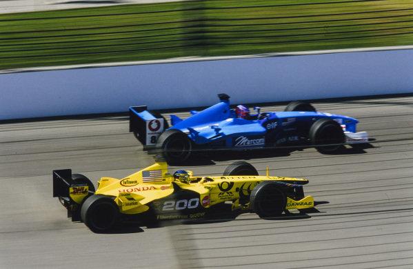 Jean Alesi, Jordan EJ11 Honda, battles with Jenson Button, Benetton B201 Renault.