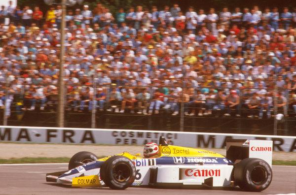 Monza, Italy.5-7 September 1986.Nelson Piquet (Williams FW11 Honda) 1st position.Ref-86 ITA 11.World Copyright - LAT Photographic