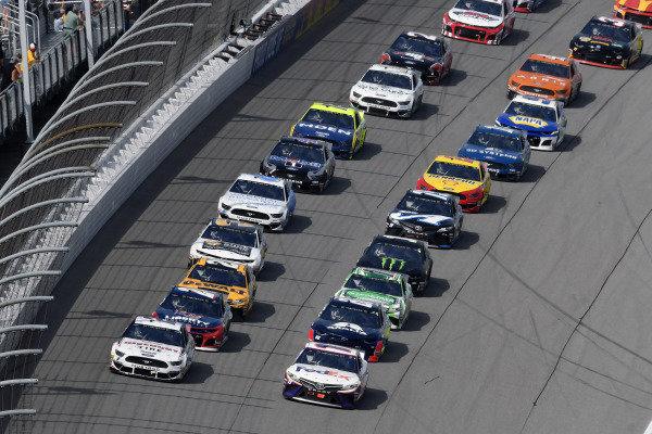 #2: Brad Keselowski, Team Penske, Ford Mustang Discount Tire and #11: Denny Hamlin, Joe Gibbs Racing, Toyota Camry FedEx Office