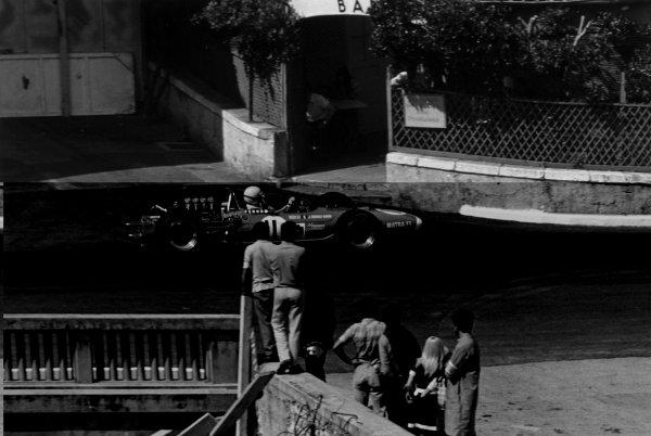 1968 Monaco Grand Prix.Monte Carlo, Monaco. 26 May 1968.Johnny Servoz-Gavin, Matra MS10-Ford, retired, action.World Copyright: LAT PhotographicRef: 2005 #21A