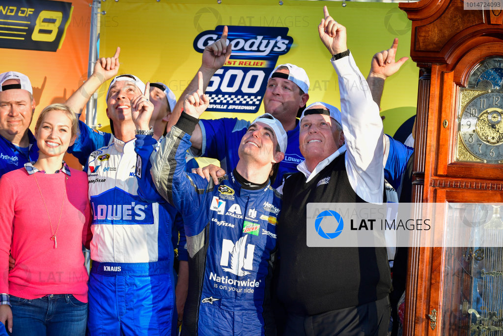 28-30 October, 2016, Martinsville, Virginia USA Jeff Gordon and Rick Hendrick celebrate in victory lane  ?2016, Logan Whitton  LAT Photo USA