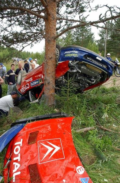 Colin McRae (GBR) & Derek Ringer (GBR), Citroen Xsara WRC, crashed and rolled heavily on stage 16.FIA World Rally Championship, Rd9, Neste Rally Finland, Jyvaskyla, Finland. Day 2, 9 August 2003.DIGITAL IMAGE