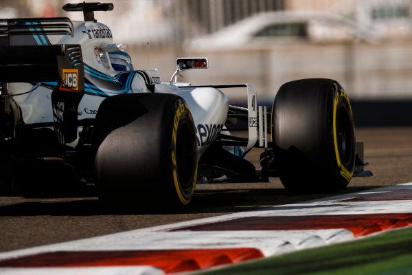 Yas Marina Circuit, Abu Dhabi, United Arab Emirates. Wednesday 29 November 2017. Sergey Sirotkin, Williams FW40 Mercedes.  World Copyright: Zak Mauger/LAT Images  ref: Digital Image _56I6539
