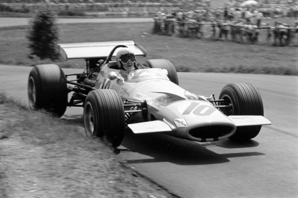 1969 German Grand Prix.Nurburgring, Germany. 3 August 1969.Bruce McLaren (McLaren M7C-Ford Cosworth), 3rd position. Ref-2623 #12.World Copyright - LAT Photographic