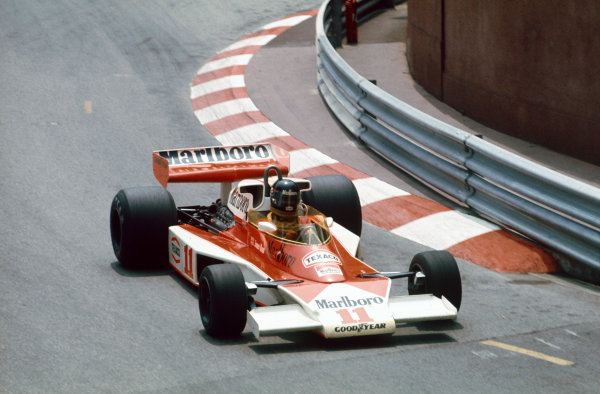 Monte Carlo, Monaco.  30th May 1976.  James Hunt, McLaren M23-Ford. Action.  World Copyright: LAT Photographic ref: 76MON42