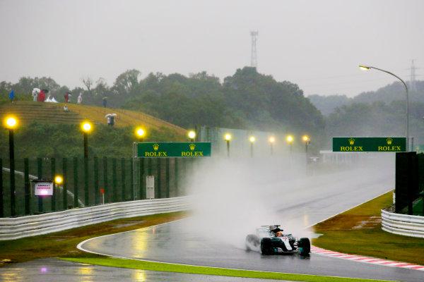 Suzuka Circuit, Japan. Friday 6 October 2017. Lewis Hamilton, Mercedes F1 W08 EQ Power+.  World Copyright: Charles Coates/LAT Images  ref: Digital Image AN7T5075