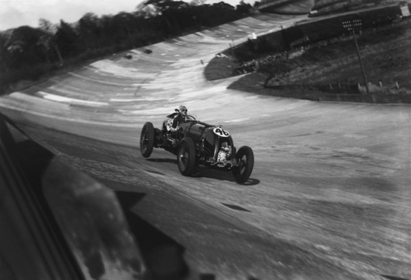 """1932 British Empire Trophy Race.Brooklands, England. 30th April 1932.H.R S.""""Tim"""" Birkin in Bentley  Blower 4 5s with huge Villiers Supercharger, retired, action. Ref:  Autocar Glass PlateWorld Copyright: LAT Photographic."""