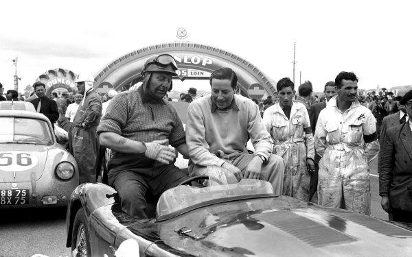 1953 Le Mans 24 hours. Le Mans, France. 13-14 June 1953. Winning Jaguar XK120 C, Tony Rolt and Duncan Hamilton, portrait. World Copyright: LAT Photographic Ref: Autocar Glass Plate C36048