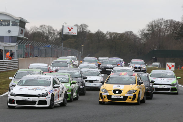 2013 Volkswagen Cup, Oulton Park, 1st April 2013, Start of the race World Copyright: Jakob Ebrey/LAT Photographic