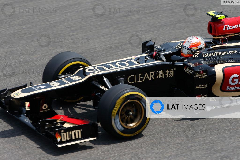 Shanghai International Circuit, Shanghai, China Saturday 13th April 2013 Romain Grosjean, Lotus E21 Renault.  World Copyright: Glenn Dunbar/LAT Photographic ref: Digital Image _89P6575
