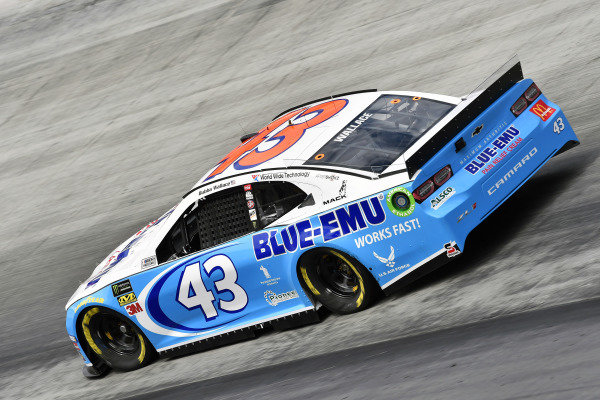#43: Darrell Wallace Jr., Richard Petty Motorsports, Chevrolet Camaro Blue-Emu
