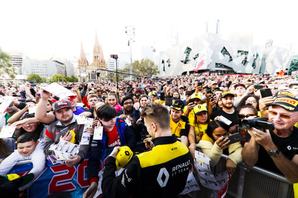 Nico Hulkenberg, Renault F1 Team signs a autograph for fans at the Federation Square event