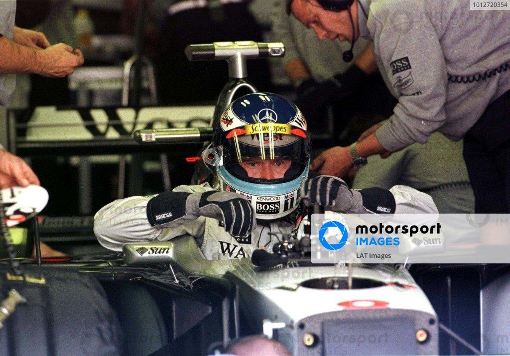1998 Canadian Grand Prix.Montreal, Quebec, Canada. 5-7 June 1998.Mika Hakkinen (McLaren Mercedes-Benz).World Copyright - LAT Photographic