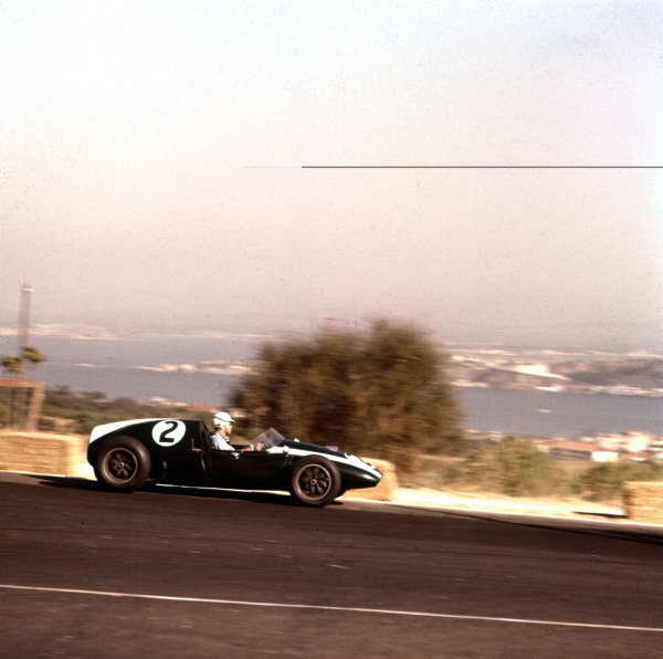 1959 Portuguese Grand Prix.Monsanto, Lisbon, Portugal.21-23 August 1959.Masten Gregory (Cooper T51 Climax) 2nd position.Ref-3/0113.World Copyright - LAT Photographic