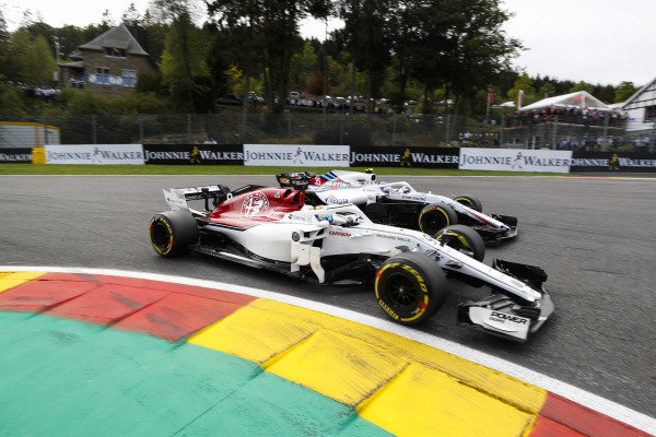 Marcus Ericsson, Alfa Romeo Sauber C37, leads Sergey Sirotkin, Williams FW41.