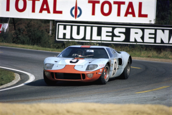 Pedro Rodriguez / Lucien Bianchi, J. W. Automotive Engineering Ltd., Ford GT40.