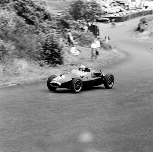 1958 German Grand Prix.Nurburgring, Germany.1-3 August 1958.Bruce McLaren (Cooper T45-Climax) Formula 2 class.Ref-2249.World Copyright - LAT Photographic