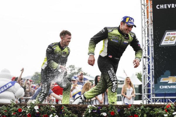 #14 AIM Vasser Sullivan Lexus RC F GT3, GTD: Richard Heistand, Jack Hawksworth, podium, champagne