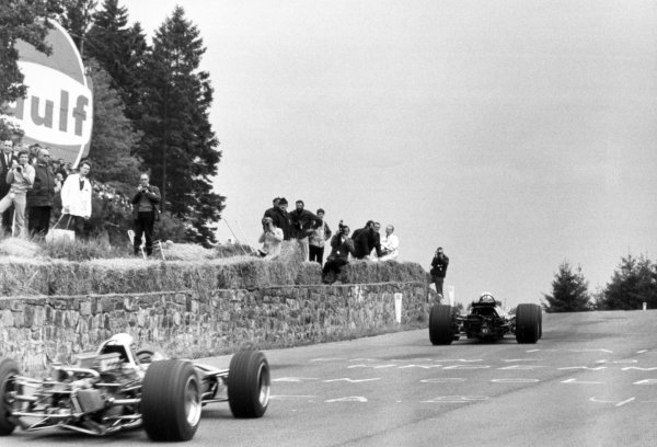 1968 Belgian Grand Prix.Spa-Francorchamps, Belgium. 9 June 1968.John Surtees, Honda RA301, retired, leads Jackie Stewart, Matra MS10-Ford, 4th position, action.World Copyright: LAT PhotographicRef: Motor b&w print